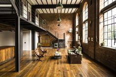 Design your dream home effortlessly and have fun. An advanced and easy-to-use home design tool - Loft Industrial, Vintage Industrial Lighting, Industrial Living, Warehouse Design, Warehouse Loft, Wearhouse Home, Conception D'entrepôts, Loft D'entrepôt, Warehouse Renovation