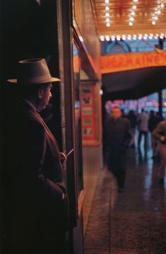 Fred Herzog Seems like every other day, another great name in photography passes away. For a long time, I thought this photograph was by another of the great colour pioneers, Saul Leiter -.