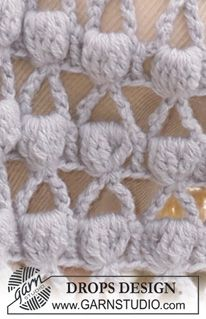 """DROPS 119-30 - Crochet DROPS cape with bobble pattern in """"Alpaca"""". Size S/M-XXL/XXXL. - Free pattern by DROPS Design"""