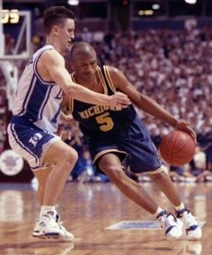 National Champion Bobby Hurley guards Fab-five member racist and National Champion Jalen Rose; Basketball Jones, I Love Basketball, Basketball Skills, Basketball Legends, Sports Basketball, College Basketball, Michigan Wolverines Basketball, Fab Five, Championship Game