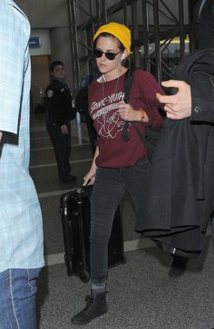 Kristen Stewart Isn't Too Famous to Carry Her Own Luggage