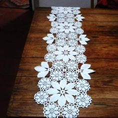 Free filet crochet table runner diagram chart pattern plus many 2015 christmas vintage crochet table runner lace free knitting pattern christmas crafts table decor ccuart Choice Image