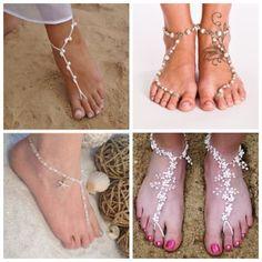 Enfeite para pés são ótimas opções para quem vai casar na praia. As chamadas barefoot sandals podem garantir um charme a mais na produção da noiva!