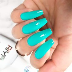 The term coffin nails is pretty controversial, but that does not make such nails less fabulous-looking Besides, we know the best ways to enhance them nails nailart naildesign coffinnails Peach Acrylic Nails, Bright Summer Acrylic Nails, Metallic Nails, Summer Nails, Summer Nail Polish, Fall Nails, Neon Nails, My Nails, Aqua Nails