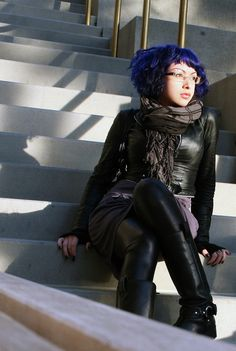 """Gorgeous blue hair! Currently my job doesn't allow """"unnatural"""" colors for hair, but if I ever quit, I think the first thing I'm going to do is dye my hair blue."""