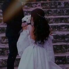 Romantic Love Images, Cute Romantic Quotes, Beautiful Words Of Love, Beautiful Songs, Romantic Status, Romantic Couple Kissing, Romantic Couples, Cute Couples, Love Songs Hindi