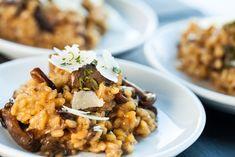 Risotto hongos porcini y churrasco - Super Pola Porcini Mushrooms, Stuffed Mushrooms, Stuffed Peppers, Easy Cooking, Cooking Recipes, Traditional Italian Dishes, Mushroom Risotto, Wine Recipes, Gastronomia