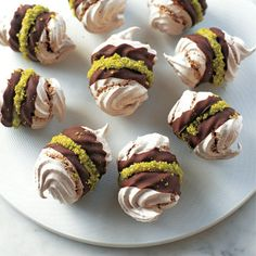 Try this delicious chocolate and pistachio meringues recipe plus other recipes from Red Online. Meringue Desserts, No Bake Desserts, Delicious Desserts, Dessert Recipes, Chocolate Meringue, Delicious Chocolate, Chocolate Recipes, Cupcakes, Pavlova