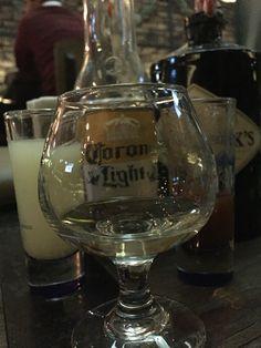 También tomamos tequila en #koala #gin & #bar Trendy Bar, Tequila, Gin, Wine Glass, Tableware, Dinnerware, Tablewares, Jeans, Dishes