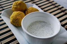 Salsa de yogur fácil (versiones básica, Tzatiki, Cacik, kebab y especial)