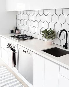Nenhum texto alternativo automático disponível. New Kitchen, Kitchen Dining, Kitchen Cabinets, Home Board, Finding A House, Cozy House, Sweet Home, New Homes, Dream Houses