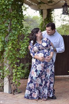 Maternity Photography Maripili Graphic Studios