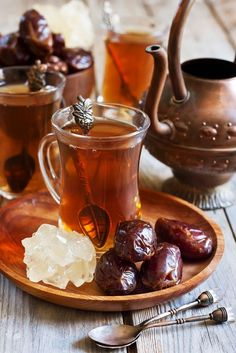 Arabic tea and dates by karaidel. Traditional arabic tea with dry madjool dates and rock sugar nabot. Coffee Time, Tea Time, Arabic Tea, Chocolate Cafe, Pause Café, Turkish Tea, Turkish Style, Tea Art, My Cup Of Tea