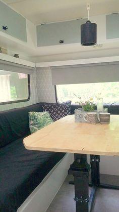 Aven'toF' - Caravanity | happy campers lifestyle Caravan Interior Makeover, Caravan Renovation, Camper Makeover, Retro Caravan, Camper Caravan, Caravan Ideas, Caravan Living, Retro Dining Table, Vintage Caravans