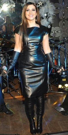 women in leather Black Leather Dresses, Leather And Lace, Leather Boots, Leather Skin, Leather Trousers, Leder Outfits, Latex Dress, Sexy Boots, Dress With Boots