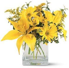 Order flowers online from your florist in Dallas, TX. Petals & Stems Florist, offers fresh flowers and hand delivery right to your door in Dallas. Unique Flowers, Amazing Flowers, Flowers In Hair, Yellow Flowers, Lilies Flowers, Color Yellow, Daisies, Red Bouquet Wedding, Wedding Flowers