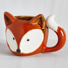 A Real Fox-er Upper Mug. Start your morning on a positively precious note by sipping out of this ceramic fox mug! A Real Fox-er Upper Mug. Start your morning on a positively precious note by sipping out of this ceramic fox mug! Ceramic Mugs, Ceramic Pottery, Ceramic Art, Pottery Mugs, Ceramic Bowls, Cerámica Ideas, Cute Cups, Cool Mugs, Retro Home Decor