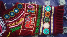 Indian Embroidery, Hand Embroidery Designs, Embroidery Patterns, Garba Dress, Navratri Dress, Kutch Work, Fabric Painting, Linen Bedding, Fabric Flowers