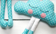 {Options} Lavender essential oil can be added to the craft filling when the Cloud Baby is being stuffed / Cloud baby can be made entirely with felt / The pattern can be resized to make small broach sized Cloud Babies or larger to make a cushion.