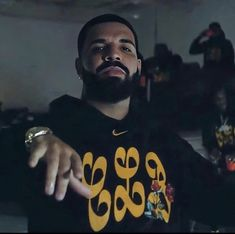 Drake Album Cover, Drakes Album, Drake Wallpapers, Drake Drizzy, Drake Graham, Aubrey Drake, Cute Black Guys, Pretty People, Foto E Video