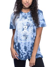 "Cut from a pure cotton material in a blue tie dye wash, this relaxed fit crew neck tee features an Obey ""Make Art Not War"" graphic at the front for a look that inspires."