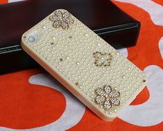 handmade iphone 4  cases,pearl iphone cases 4,DIY iphone 4 4s case. $19.99, via Etsy.