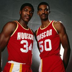 Houston's Twin Towers:  Hakeem Olajuwon & Ralph Sampson.....too bad it just never worked-out.......#lostchampionships