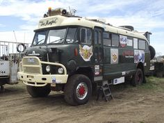 1964 Bedford RL 4x4 Bus Camper by Five Starr Photos ( Aussiefordadverts), via Flickr