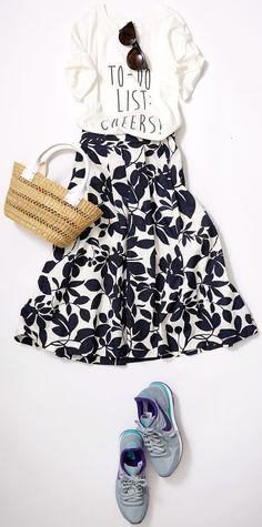 Black and white Fashion Mode, Japan Fashion, Work Fashion, Skirt Fashion, Daily Fashion, Korean Fashion, Spring Fashion, Fashion Looks, Fashion Outfits