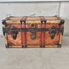 Small Antique Trunk Late 19th century – UrbanAmericana
