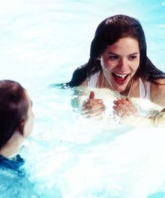 Leonardo DiCaprio and Claire Danes shooting the pool scene - Behind the scenes of Romeo +