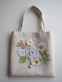 Patchwork Bags, Quilted Bag, Embroidery Purse, Brazilian Embroidery, Jute Bags, Craft Bags, Denim Bag, Fabric Bags, Cloth Bags