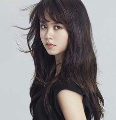 Kim So Hyun Korean Beauty, Asian Beauty, Kim So Hyun Fashion, Kim Sohyun, Kim Yoo Jung, Girl Artist, Birthday Woman, Korean Celebrities, Beautiful Asian Women