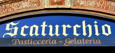 Rótulo de Scaturchio en Nápoles