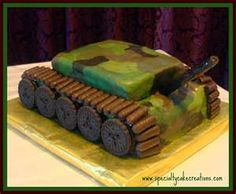 Army cake!!  ASHLEY!!! Can you make this for Jaxon?