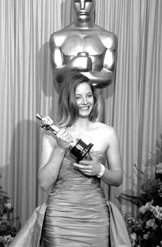 glenda jackson actress nominations wins the royal jodie foster 1988 for her role as sarah tobias in the accused 1988