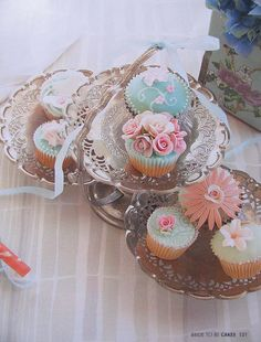 "Bride To Be Photo! (made into ""Robert Gordon "" cupcake magnets & trinkett box!) by kylie lambert (Le Cupcake), via Flickr"