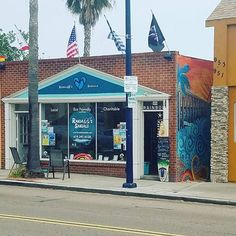 Holiday VIP parking, come say hi and get your discount!  #sandiegolove #sandiego #pacificbeach #northpb #shoplocal #shopsmall #stressfree #birdrock #lajolla #ecofriendly #charitable #sustainable #goodtimes #randallssandals #flipflops #slippers #sandals #onelove #peace #thankful #discoverpb #memorialdayweekend #happymemorialday #lajollalocals #sandiegoconnection #sdlocals - posted by Randall's Sandals  https://www.instagram.com/randalls_sandals. See more post on La Jolla at…