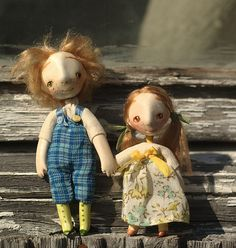 Small beautifully made miniature dolls by ligreego on flickr.