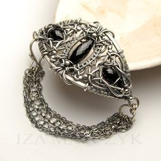 Everlasting bracelet by Iza Malczyk