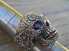 Skull ring from billyrebs.etsy.com