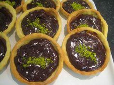Tartelettes caramel beurre salé pistache, Recette de Tartelettes caramel beurre salé pistache par Ofelaye c. - Food Reporter