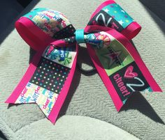 Sample cheer bow $6