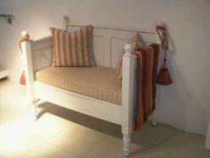 Verschiedene Bänke - angefertigt aus alten Betten. - Sie haben ein altes ...