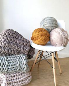 Items similar to Giant merino wool in balls. Blanket Valentine on Etsy Giant Merino Wool Yarn, Merino Wool Blanket, Diy Trousse, Arm Knitting Yarn, Jumbo Yarn, Sheep Wool, Hand Spinning, Neue Trends, Design