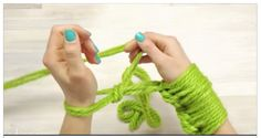 She Starts Out Wrapping Yarn Around Her Hand. Within Minutes She Has A Beautiful Accessory - NewsLinQ