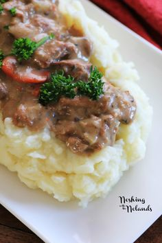 BEST EVER - Slow Cooker Beef Stroganoff. I love beef stroganoff! Never thought about making it in the slow cooker. And although I usually serve it with noodles, the mashed potatoes sound so very good! Best Slow Cooker, Crock Pot Slow Cooker, Crock Pot Cooking, Slow Cooker Recipes, Crockpot Recipes, Cooking Recipes, Crock Pots, Freezer Cooking, Cookbook Recipes