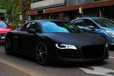 Matt black Audi r8