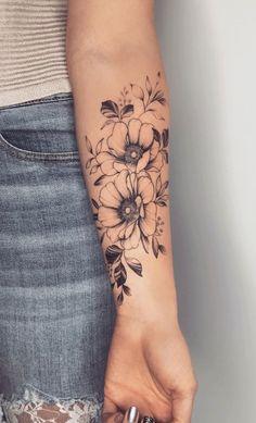 Hip Tattoos Women, Sleeve Tattoos For Women, Sexy Tattoos, Cute Tattoos, Small Tattoos, Tattoos For Guys, Tatoos, Wrist Tattoos Girls, Inner Arm Tattoos