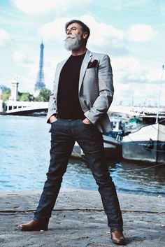 hipster-pensioner-fashion-model-philippe-dumas-13-57598499963e4-png__700 2